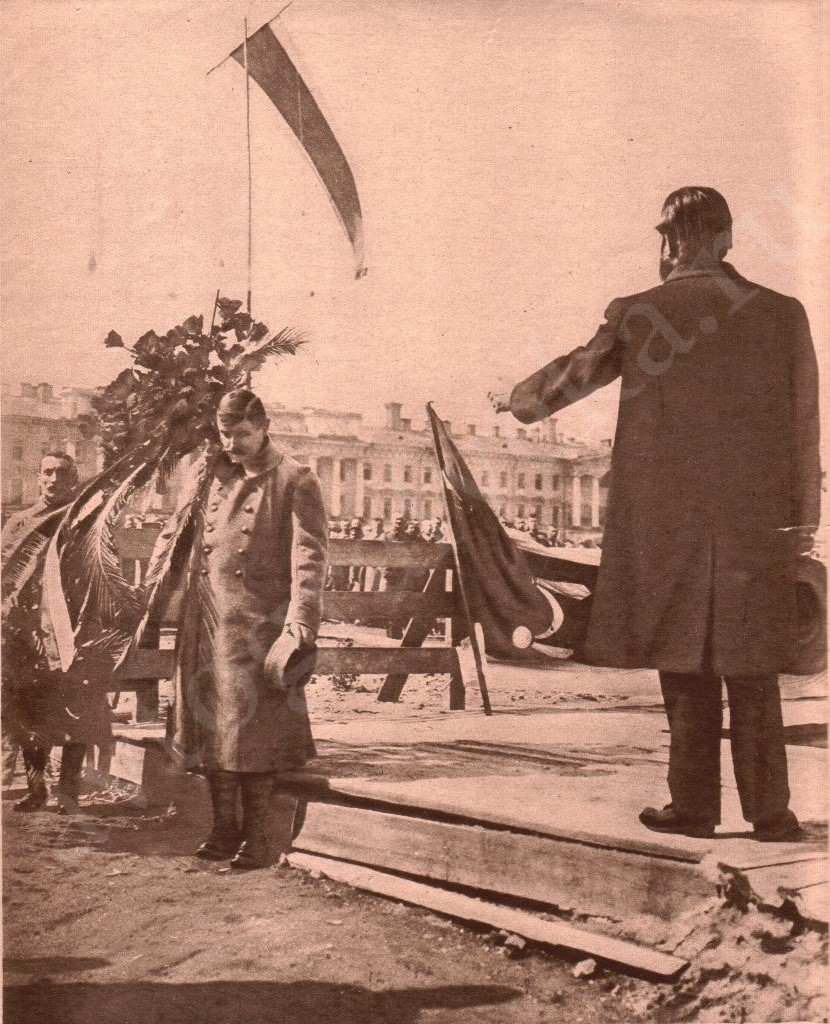 1917_Тома выступает в Петрограде за продолжение войны