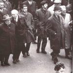 В первом ряду демонстрантов. Луи Арагон и руководители Французской компартии (слева направо) Жак Дюкло, Вальдек Роше, Бенуа Фрашон