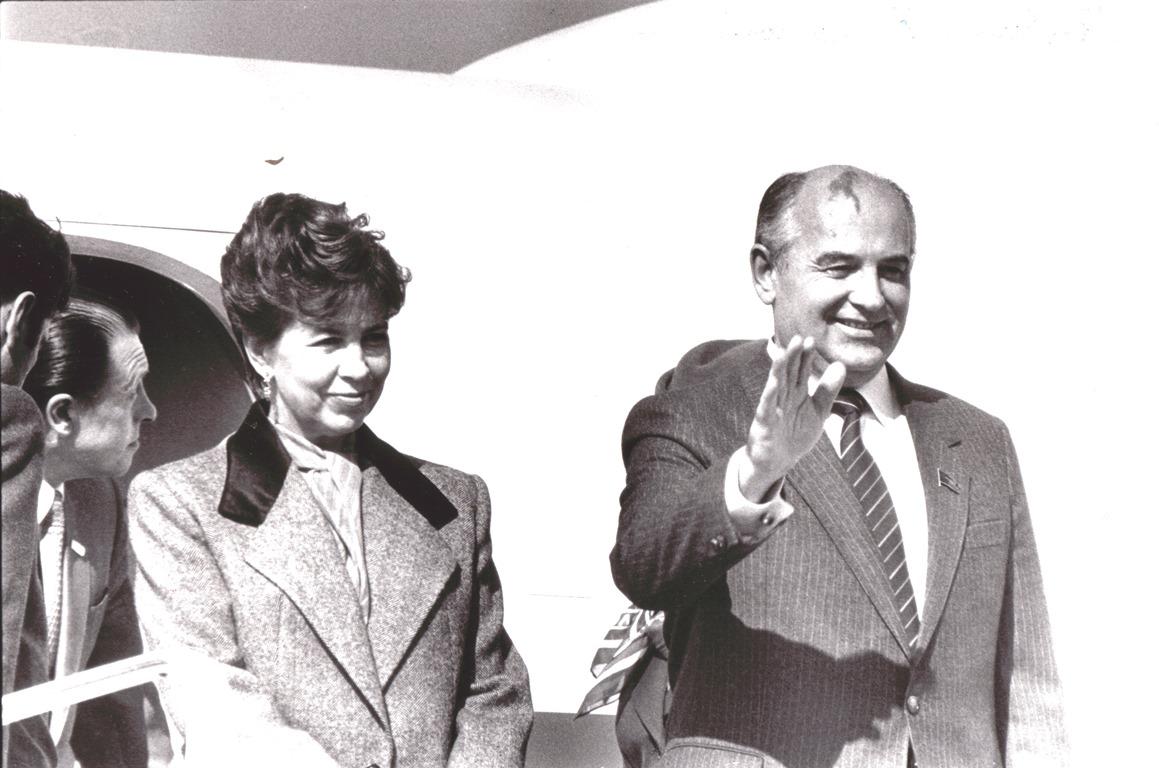 Горбачев в Париж 4 окт 1985