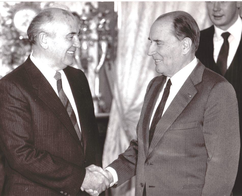 Горби и Миттеран