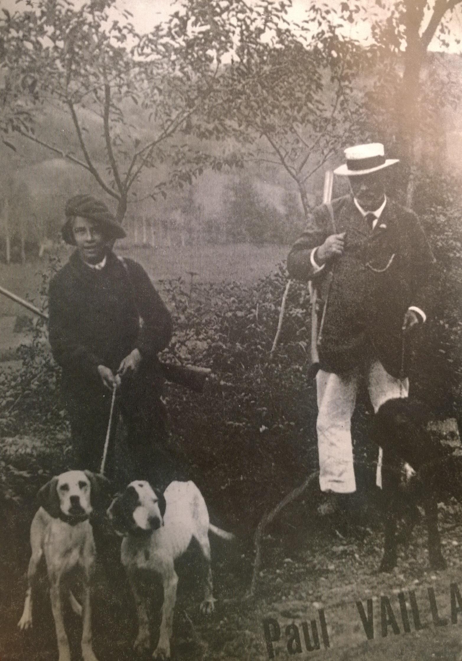 Подросток Поль Вайян-Кутюрье с отцом на охоте. Начало 1900-х годов