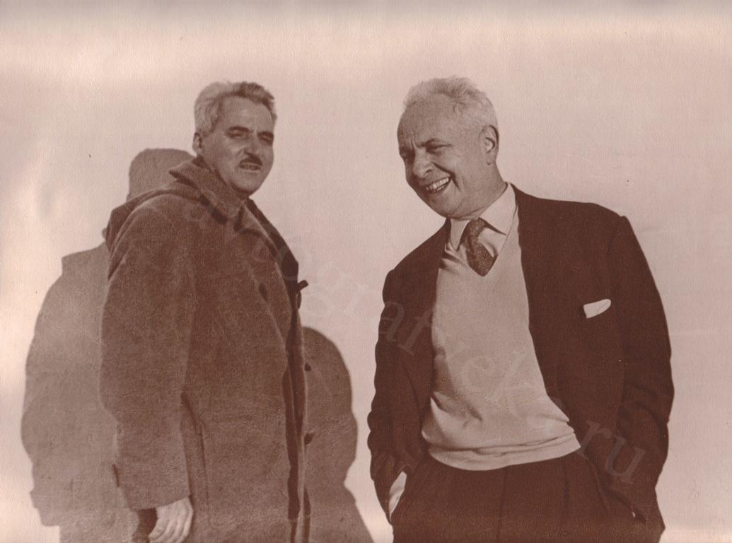 С Константином Симоновым. Москва.1950-е годы.